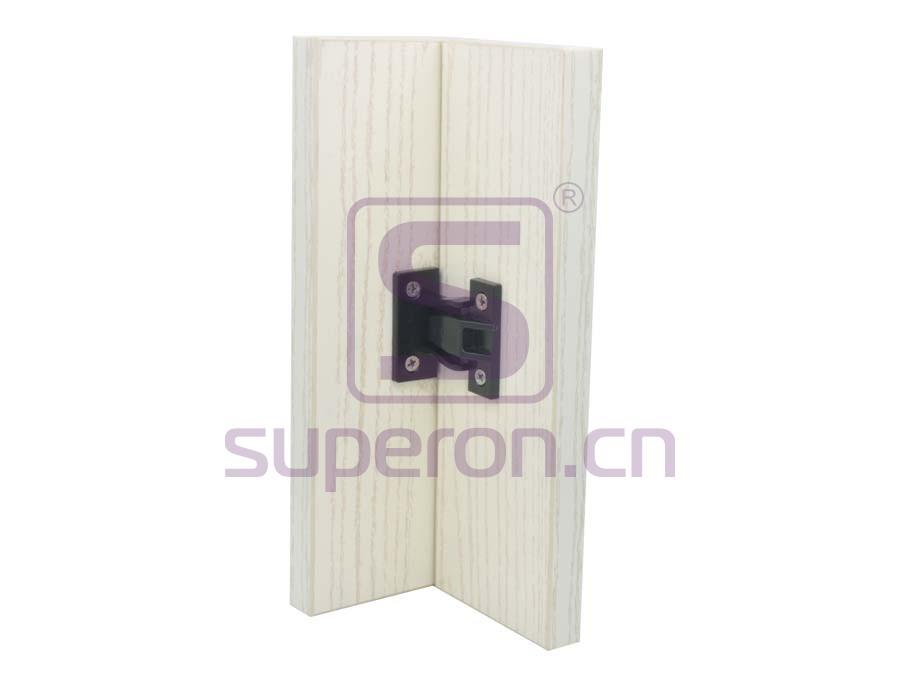 10-481-x | Plastic connector on corner