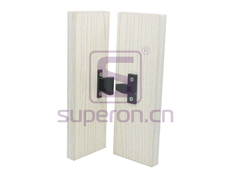 10-482-x1 | Plastic connector on corner